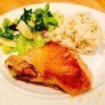 Stegt kylling: Hvordan man steger man en hel kylling, så den bliver helt perfekt? Her har du den bedste opskrift på stegt kylling med stegetid.