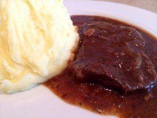 Bankekød: Her tager vi fat i en af de gamle danske klassikere, som mange desværre har glemt. Men prøv lige bankekød med kartoffelmos.