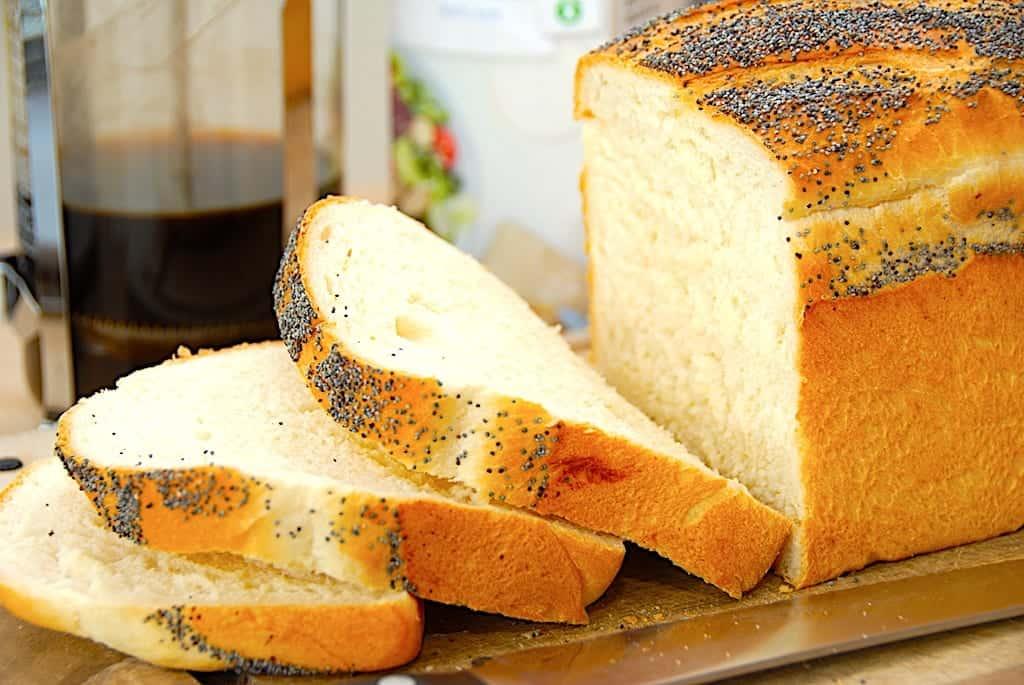 Hjemmebagt sødmælks franskbrød i form (med billeder)