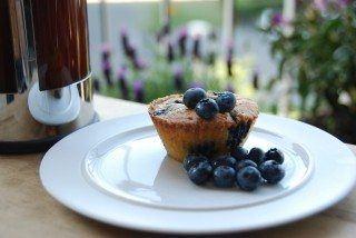 Hvid chokoladekage med blåbær