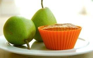 billede med pæremuffins med hvid chokolade