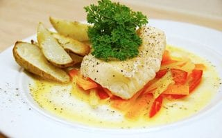 billederesultat for dampet torsk med sauce nage