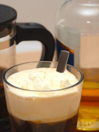 Irsk kaffe opskrift – sådan laves irish coffee