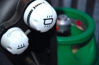 Hvor længe holder en flaske gas til gasgrill?