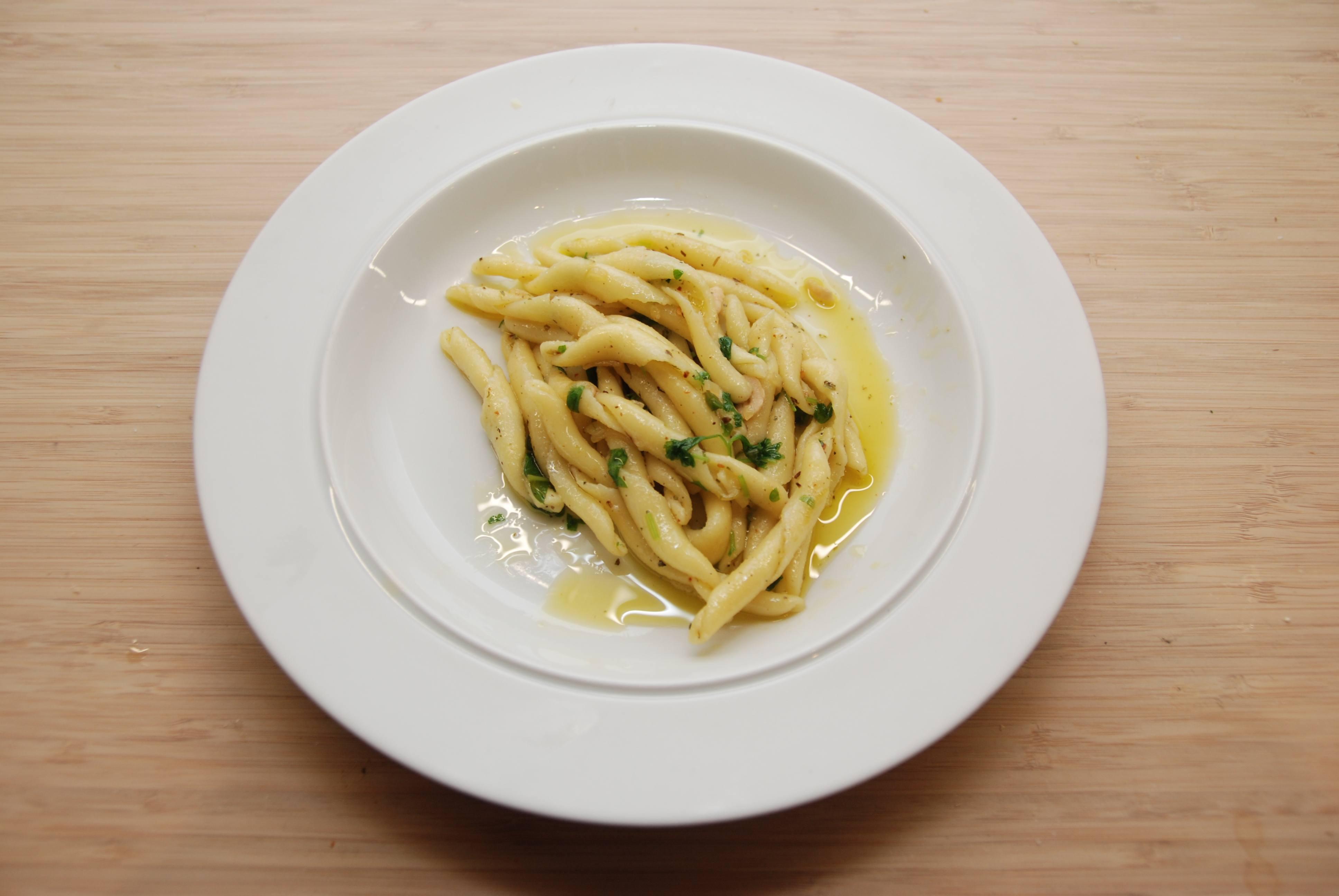 Spaghetti med olie, hvidløg og chili – god pastaret