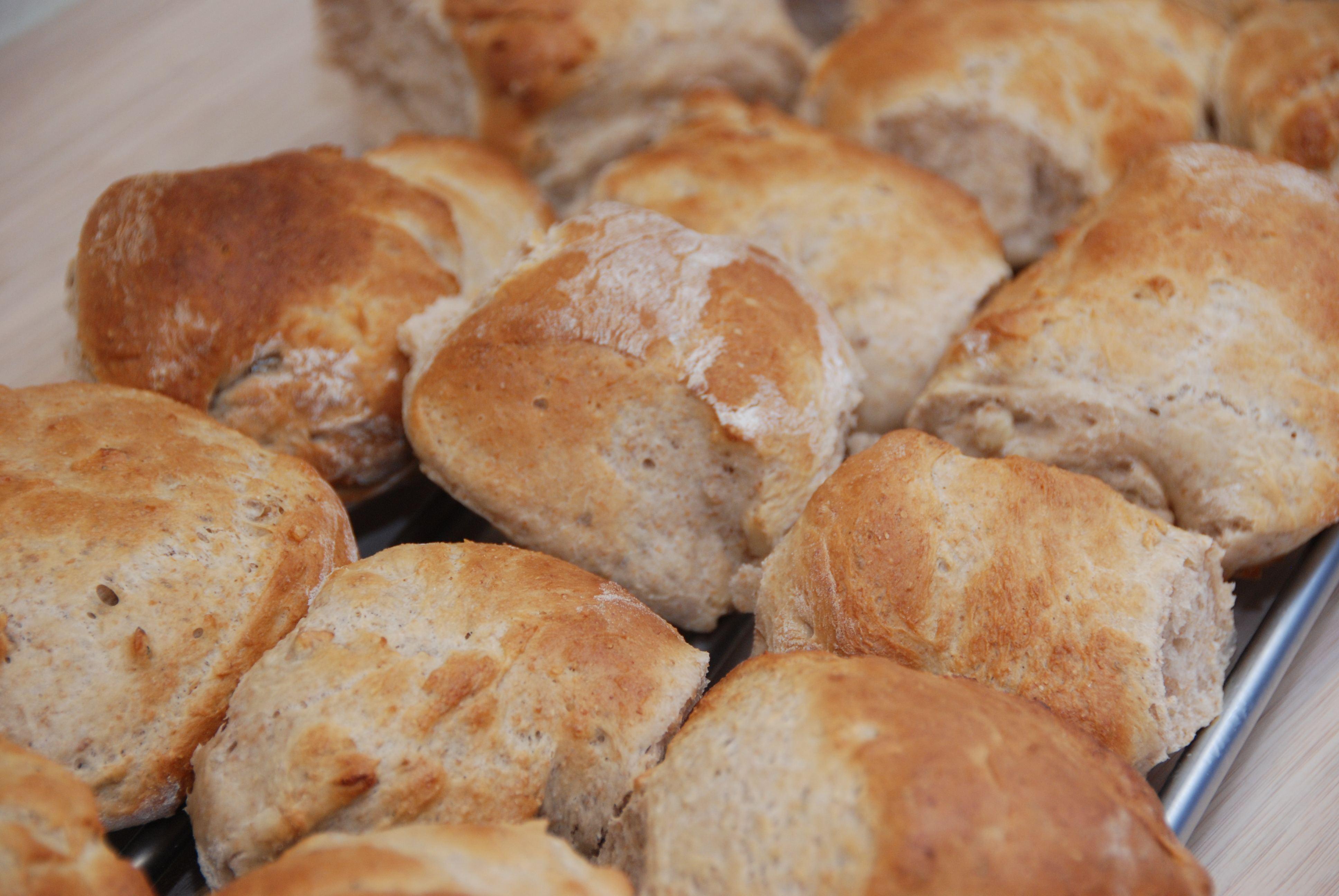 Valnøddebrød – opskrift på brød med valnødder