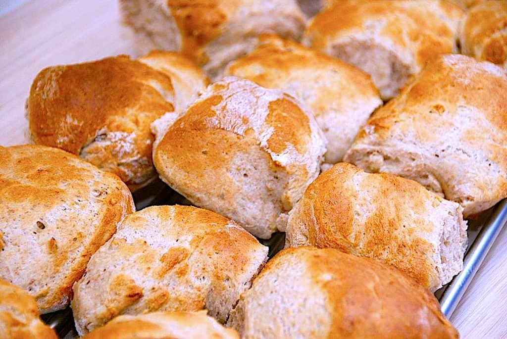 Valnøddebrød - opskrift på brød med valnødder