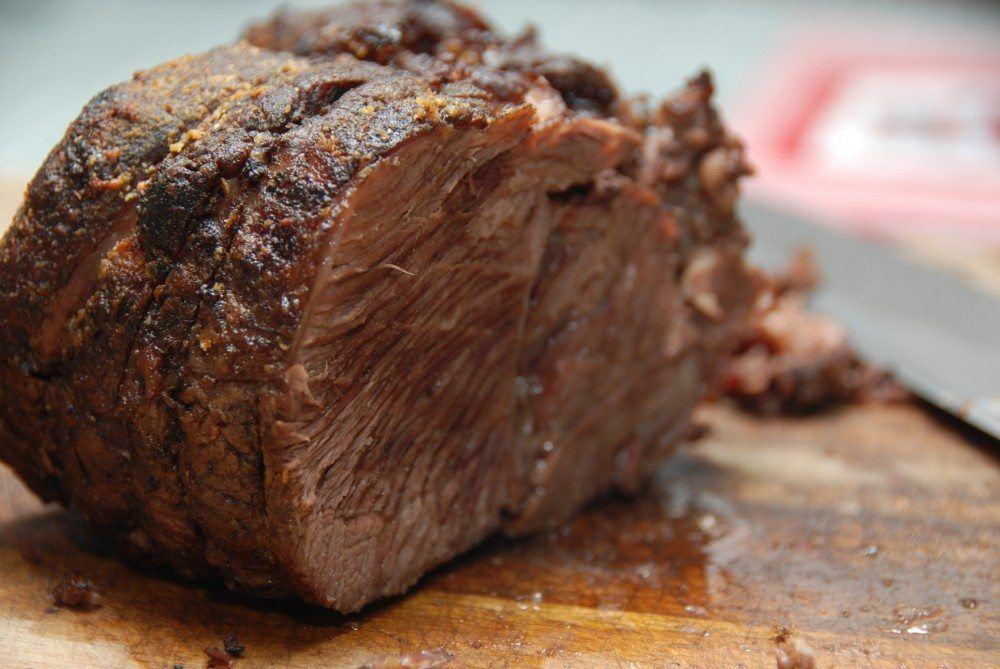 Oksetykkam er fremragende at stege i ovnen, og kødet bliver mørt som smør efter et par timer i ovnen. Foto: Guffeliguf.dk.