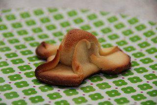 Napoleonshatte med blød nougat og marcipan. De er både nemme og hurtige at bage. Foto: Guffeliguf.dk.