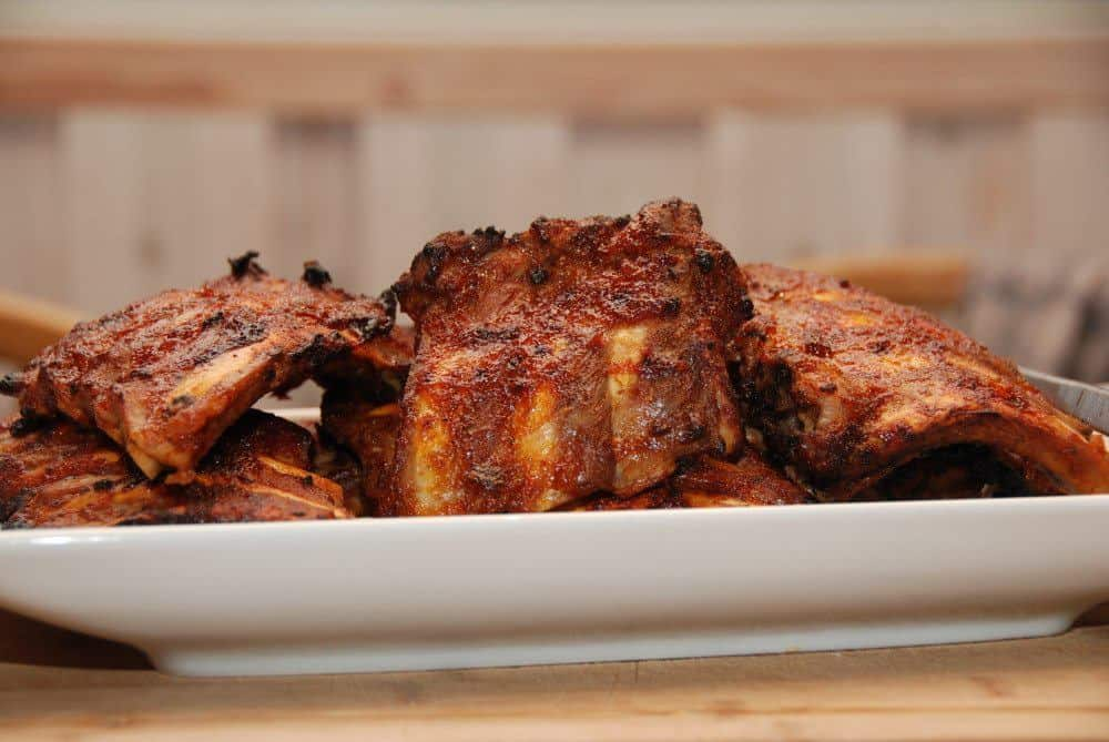 Kamben med hjemmelavet marinade, og du kan grille dem - eller stege dem i ovnen. Foto: Guffeliguf.dk.