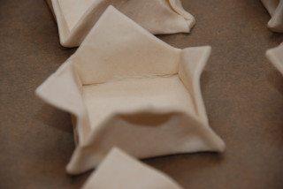 Hjemmelavede tarteletter laves af halve plader butterdej, som du bukker op som åbne kasser. Foto: Guffeliguf.dk.
