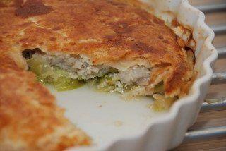 Tærte med torsk, spidskål og porre – fisk med butterdej