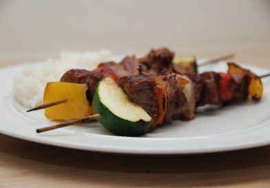 Grillspyd med oksemørbrad og skønne grøntsager