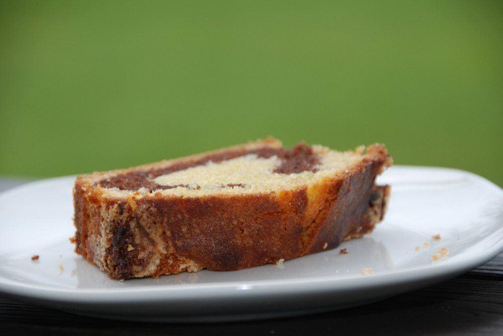 Sandkage er en af mine favoritter, fordi den er nem at lave og smager super godt. Og en sandkage kan snildt trylles om til en lækker marmorkage. Foto: Guffeliguf.dk.