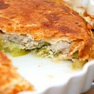 torsk i tærte med spidskål og porrer opskrift