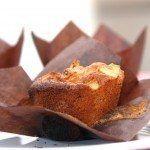 Opskrift på de mest lækre muffins med æble og marcipan. Smagt til med kanel, og disse muffins er velegnet til fryseren. Så du altid har muffins til kaffen. Foto: Guffeliguf.dk.