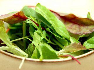 En hurtig og dejlig vinaigrette med sennep laves på en god olivenolie. Foto: Madensverden.dk.