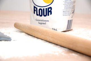 Hvide marengs er klassisk bagværk, der er meget nem at lave. Bagetiden er cirka en time ved lav varme i ovnen. Foto: Guffeliguf.dk.