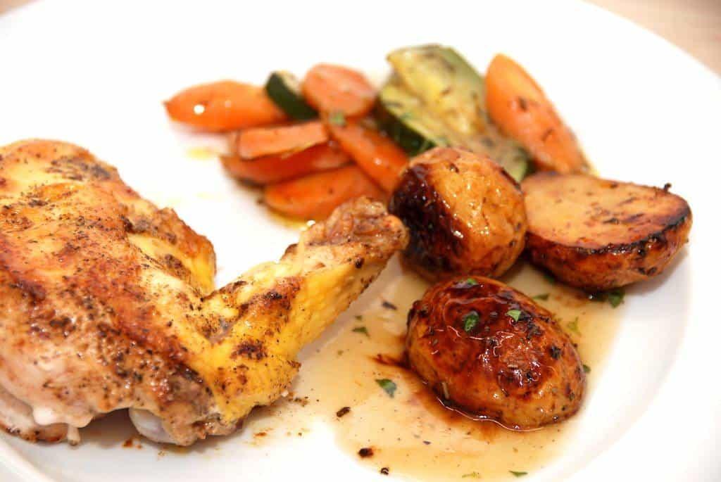 Kylling med timiansky og ovnstegte grøntsager