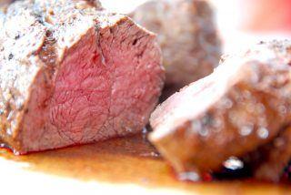 Helstegt oksemørbrad steges 20 minuttter i ovnen