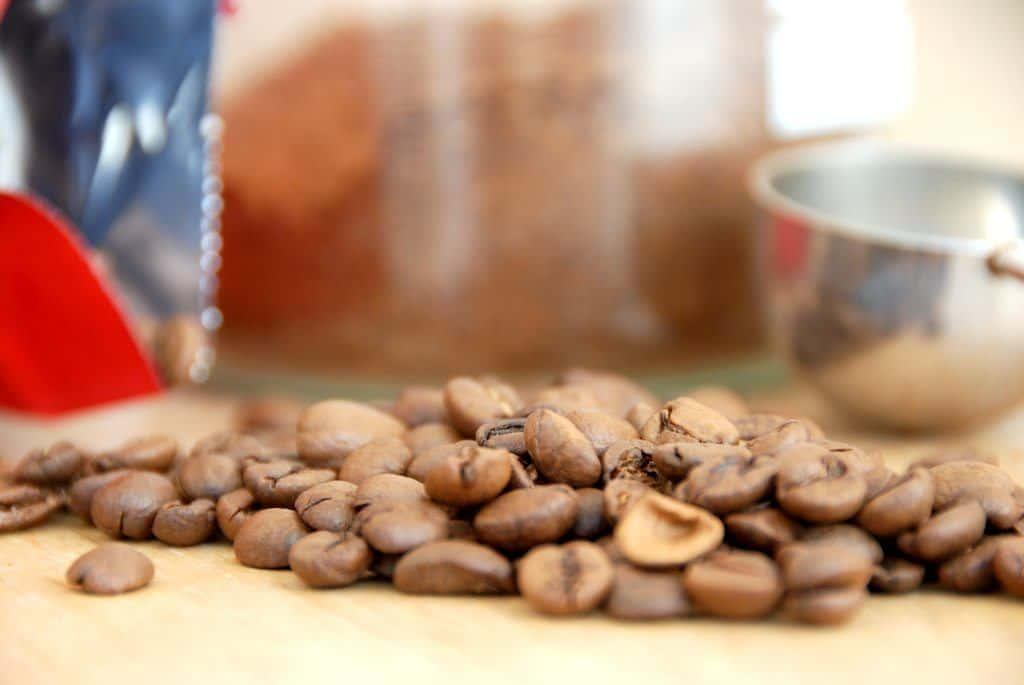 Der findes mange typer kaffe og kaffedrikke, men kender du forskel på en caffe latte og en cappuccino? Og ved du hvad en coffee fredo er? Foto: Guffeliguf.dk.