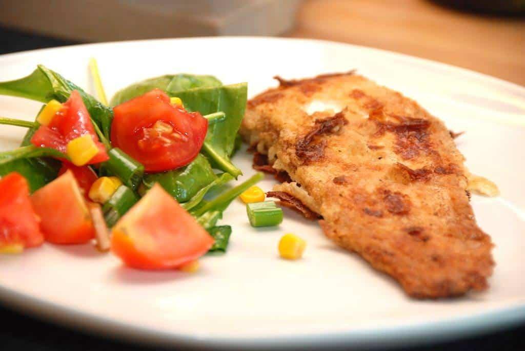 Flået og helstegt skærising på grill er en super fin spisefisk. Foto: Guffeliguf.dk.