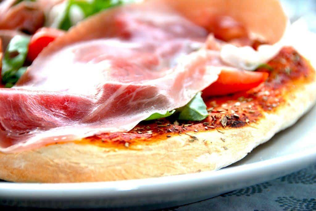 En god dej til pizza er grundlaget for enhver sprød pizza. Foto: Guffeliguf.dk.