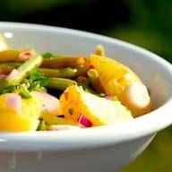 billede med kartoffelsalat med grønne bønner