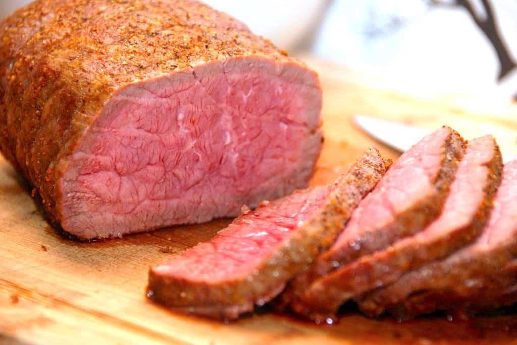 Roastbeef på gasgrill – opskrift med stegetid