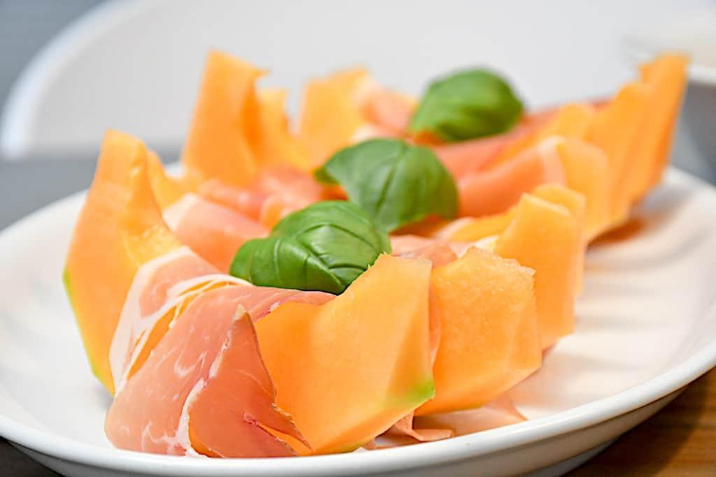 Melon med parmaskinke (skøn og hurtig forret)