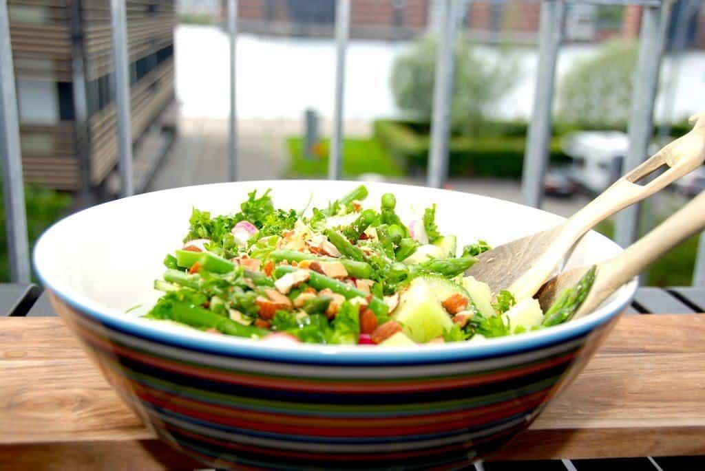 billede med melonsalat med asparges