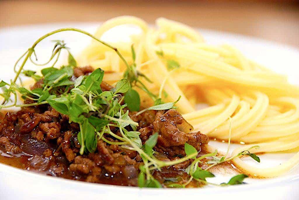 Opskrift på nem millionbøf med pasta (børnevenlig)