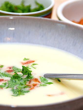 Kartoffelsuppe – nem og hurtig opskrift på suppe med kartofler