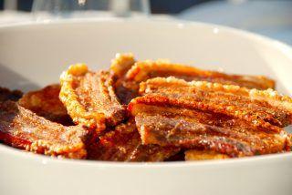 Langtidsstegt flæsk i ovn: Mørt flæsk med sprød svær