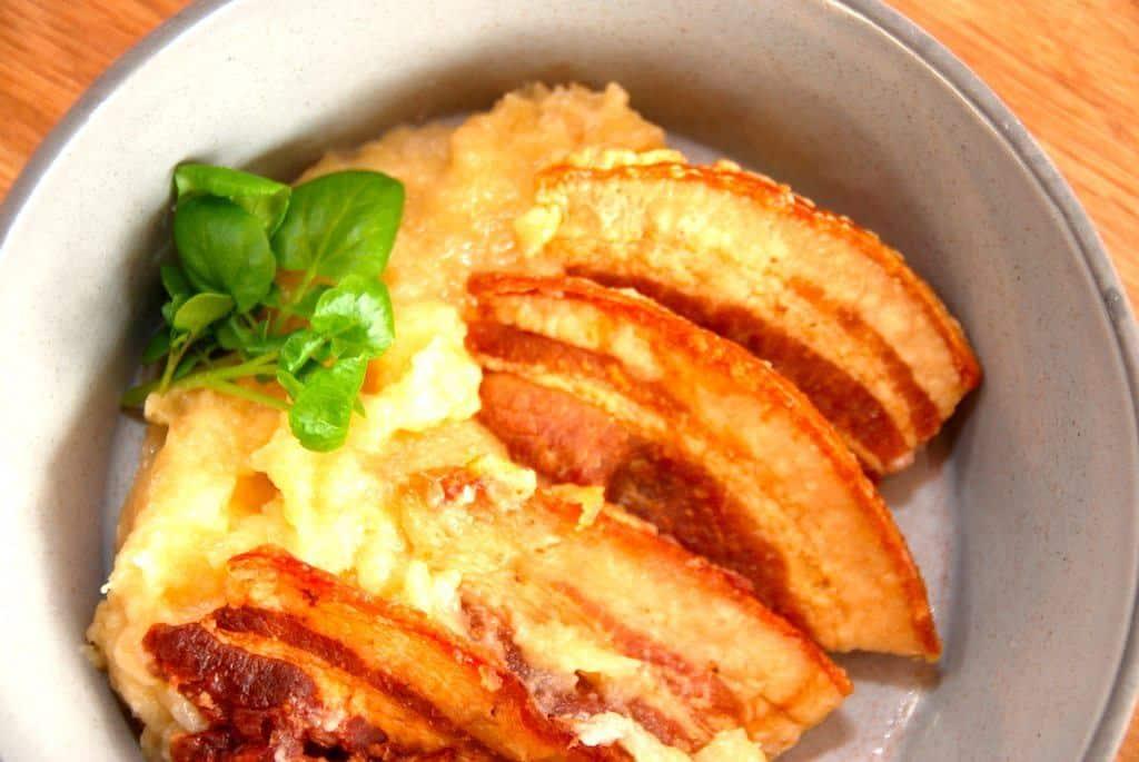 Gammeldags æbleflæsk – nem opskrift med bacon