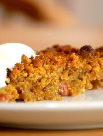 Rabarber crumble: Rabarbertærte med smuldredej