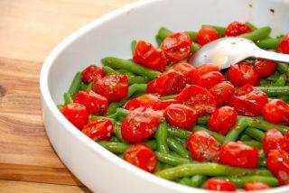 Ovn tomater med kogte grønne bønner – tilbehør til bøf