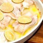 Ovnbagt torsk er nem og hurtig aftensmad. De benfrie torskefileter bages i ovnen i 12 minutter, og serveres straks. Foto: Guffeliguf.dk.
