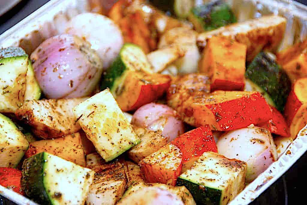 Ovnbagte grønsager og rodfrugter med timian og balsamico