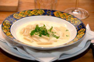 Aspargessuppe med hvide asparges