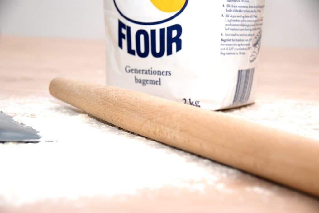 Honningkage bages med masser af honning og lækre krydderier, der både dufter og smager fantastisk. Foto: Guffeliguf.dk.