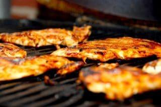 En basis barbecue marinade kan blandt andet anvendes til kylling på grill. Foto: Guffeliguf.dk.