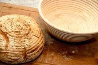 En hævekurv er fantastisk til bagning af brød. Brødet efterhæves i hævekurven, og du et brød med både et flot udtryk og en god krumme. Foto: Guffeliguf.dk.