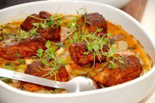 Mørbradbøffer i ovn med paprika