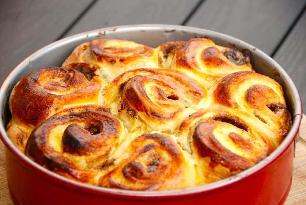 Smørkage eller dagmartærte. Kær kage har mange navne, men den er lige lækker. Smørkagen er bagt med kagecreme og en god remonce. Foto: Guffeliguf.dk.