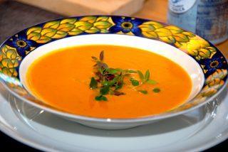 Suppe med græskar og persillerod