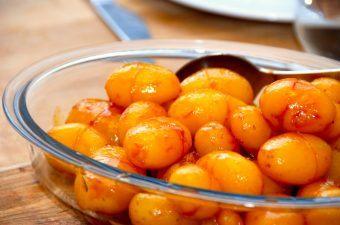 Brunede kartofler med sukkervand (nem opskrift)