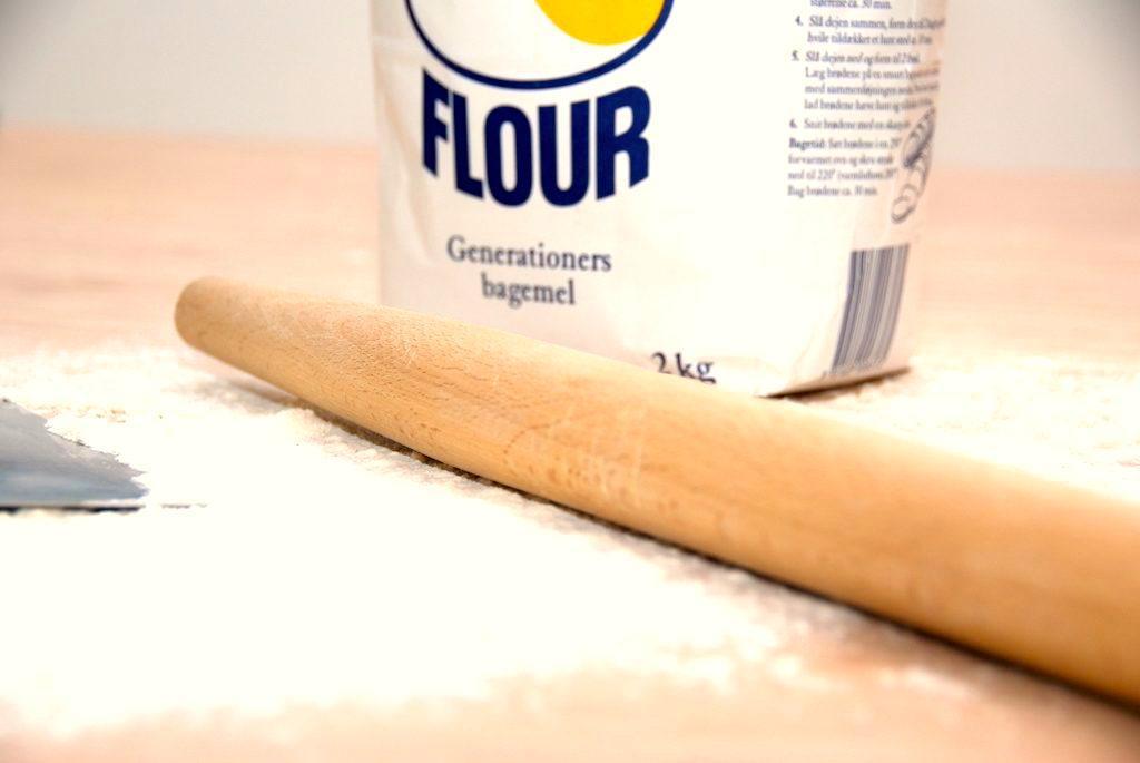 Kikskage laves i en sandkageform, hvor kiks lægges sammen med et lag dej, der blandt andet består af palmin og kakao. Genrefoto: Guffeliguf.dk.