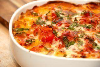 Pastafad (ovnbagt pasta med tomatsovs)