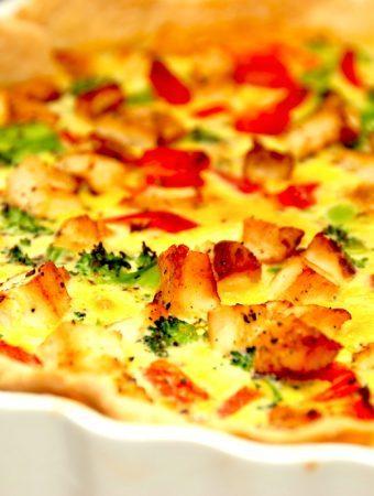 Tærte med kylling og broccoli (nem hverdagstærte)